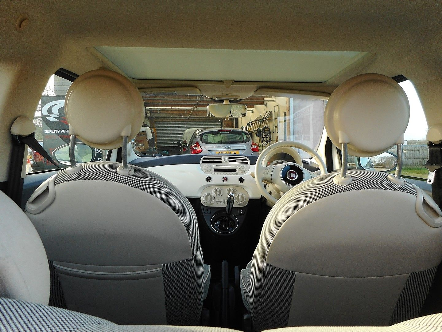 FIAT 500 1.2i Lounge S/S automatic (2013) - Picture 17
