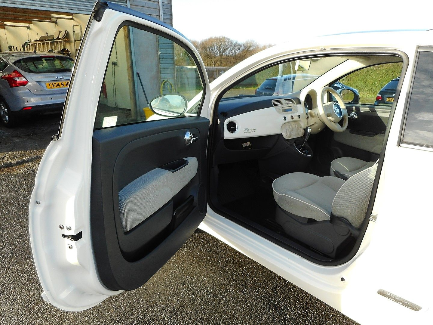 FIAT 500 1.2i Lounge S/S automatic (2013) - Picture 19
