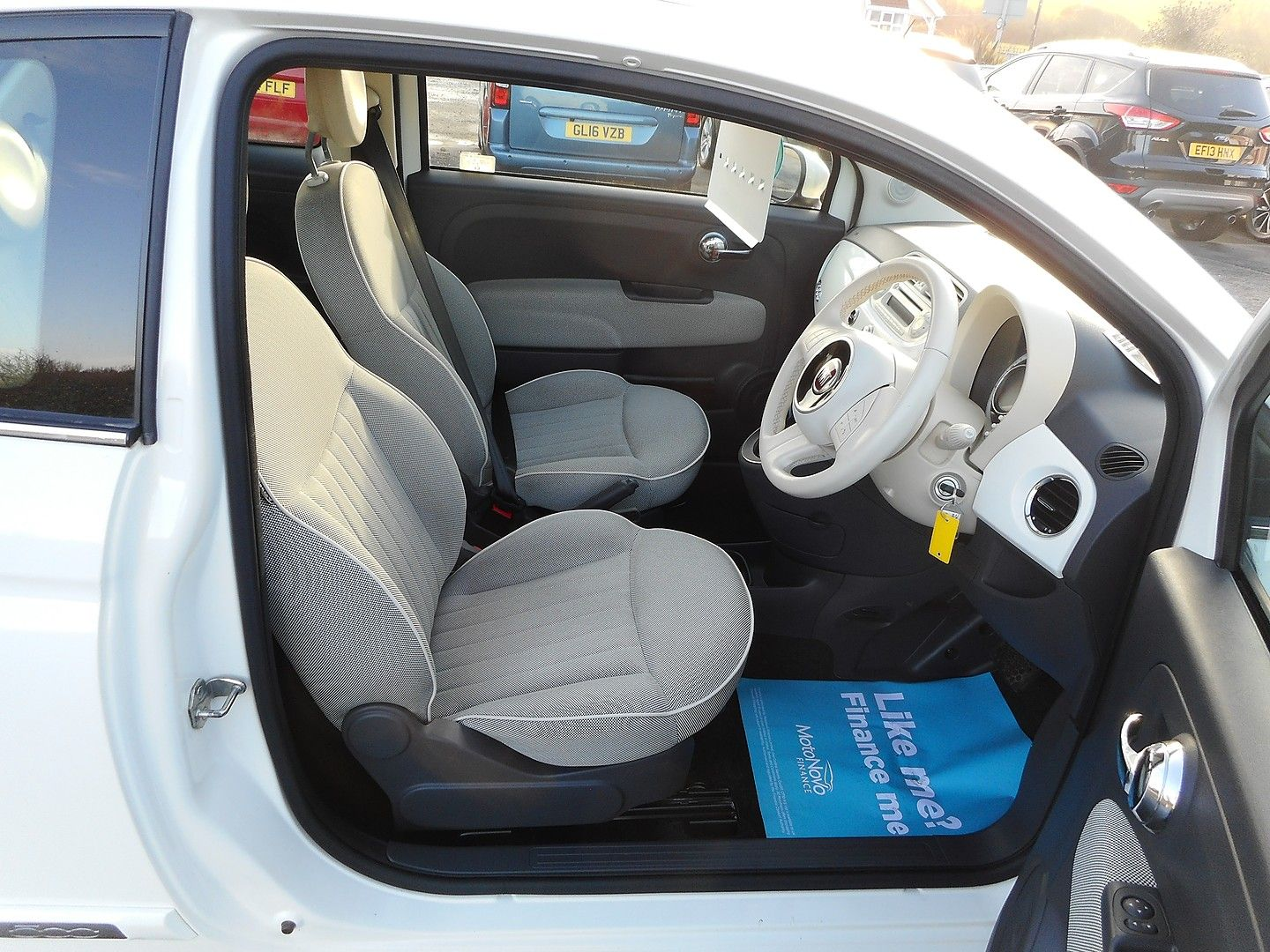 FIAT 500 1.2i Lounge S/S automatic (2013) - Picture 7