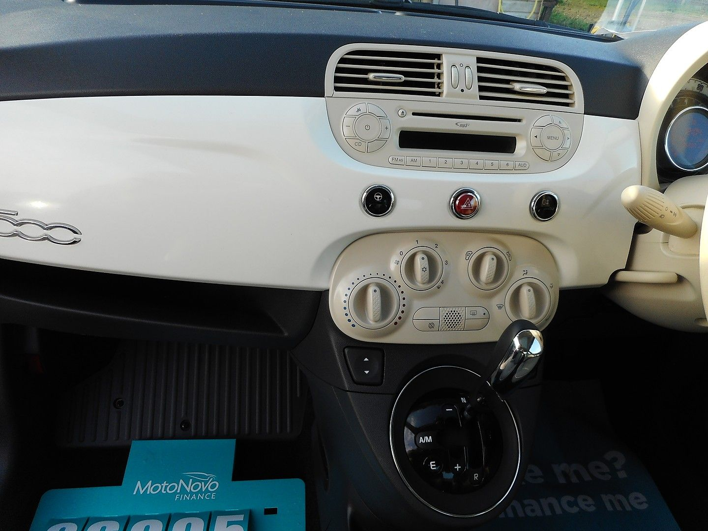 FIAT 500 1.2i Lounge S/S automatic (2013) - Picture 8