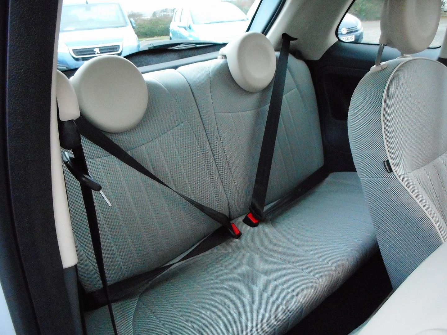FIAT 500 1.2i Lounge (2010) - Picture 8