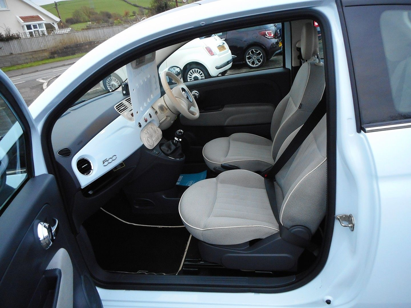 FIAT 500 1.2i Lounge (2010) - Picture 9