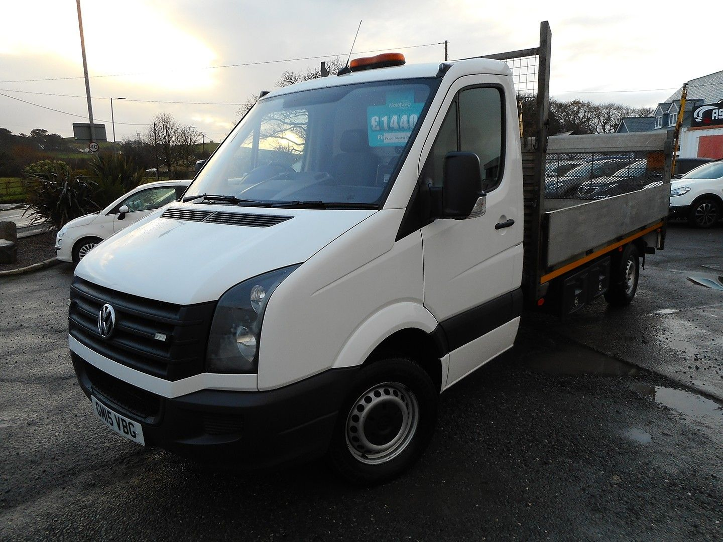 VOLKSWAGEN Crafter CR35 136PS 2.0TDI MWB WITH TAIL LIFT (2015) - Picture 11