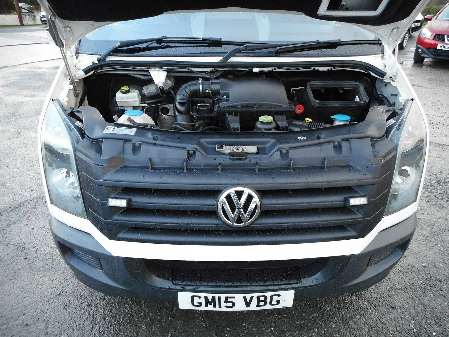VOLKSWAGEN Crafter CR35 136PS 2.0TDI MWB WITH TAIL LIFT (2015) - Picture 20