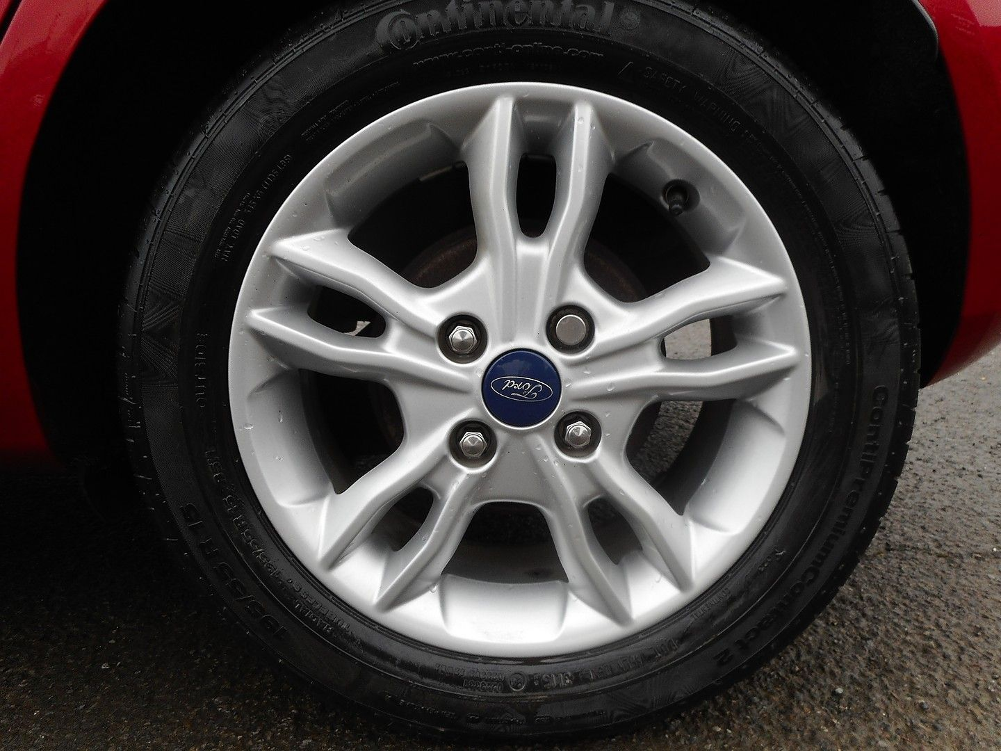 FORD Fiesta Zetec 1.0 80PS Start/Stop (2015) - Picture 4