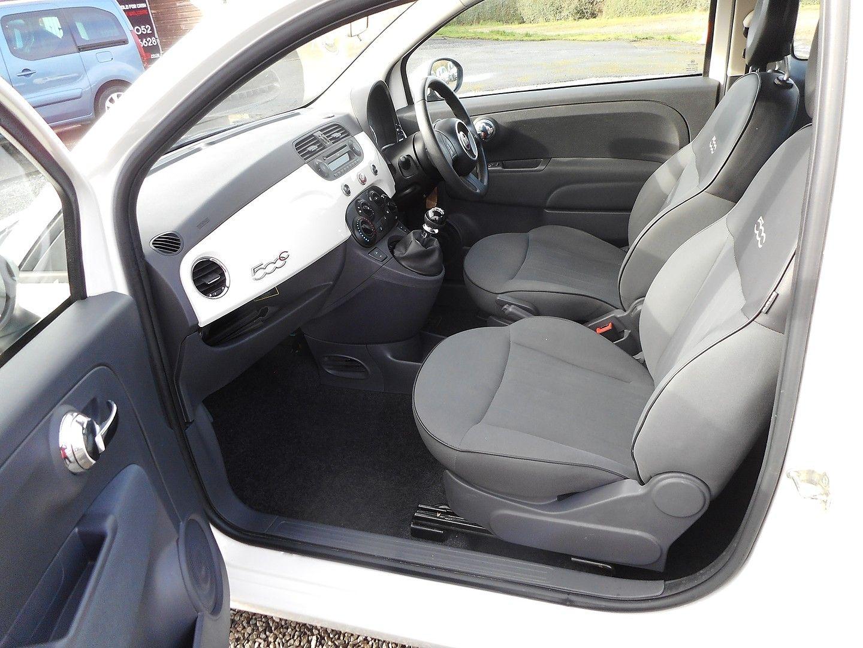 FIAT 500 1.2i Pop Convertible (2011) - Picture 10