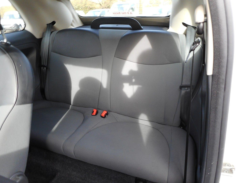 FIAT 500 1.2i Pop Convertible (2011) - Picture 11