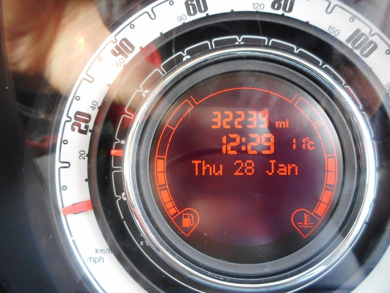 FIAT 500 1.2i Pop Convertible (2011) - Picture 15
