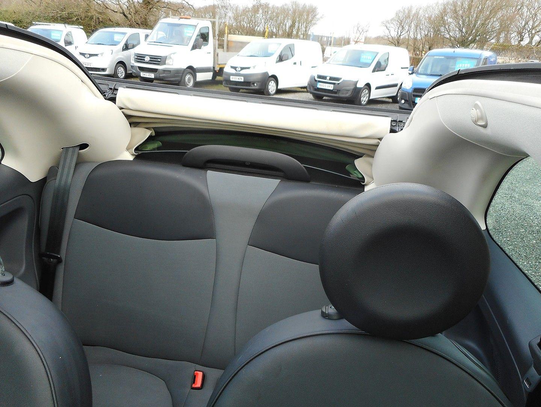FIAT 500 1.2i Pop Convertible (2011) - Picture 21