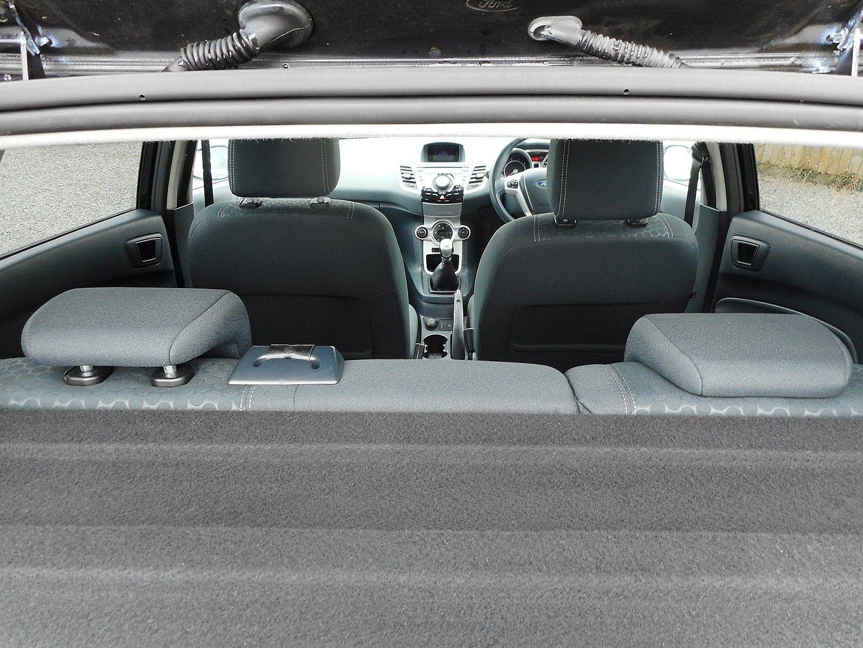 FORD Fiesta Titanium 1.4 096 (2011) - Picture 6