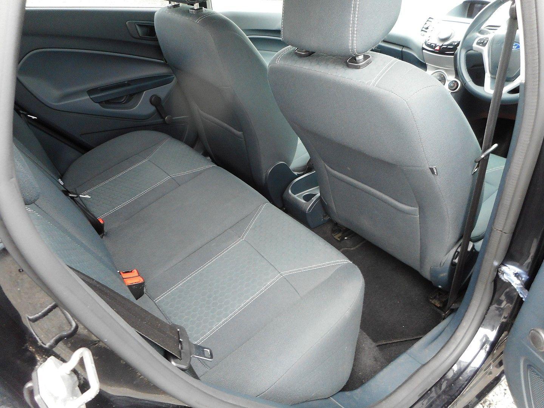 FORD Fiesta Titanium 1.4 096 (2011) - Picture 7